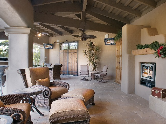 Outdoor family room with HDTV in Boca Raton
