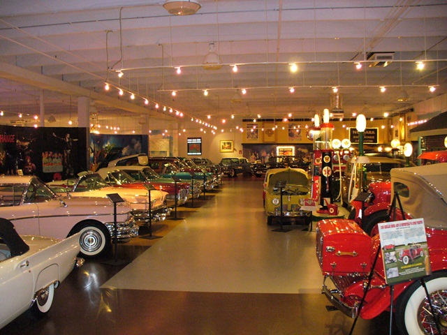 Palm Beach Auto Museum Design and Installation